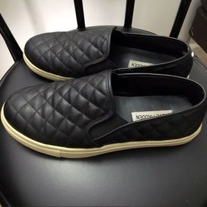 🌈 Steve Madden quilted slip-on sneakers